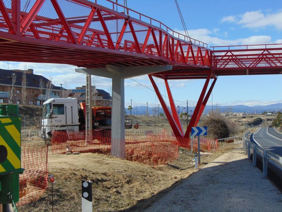 Construccion Pasarela Peatonal en el P.K.7,100 de la M-513, T.M. Boadilla del Monte (Madrid)