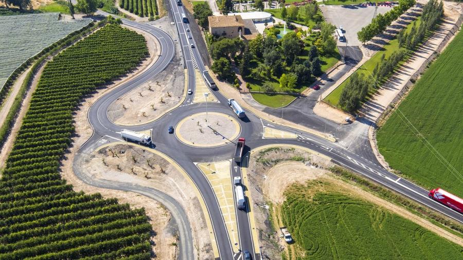 Construccion de una glorieta de acceso a la Estacion del T.A.V de Figueres, en la ctra. N-260, T.M.Vilafant (Girona)