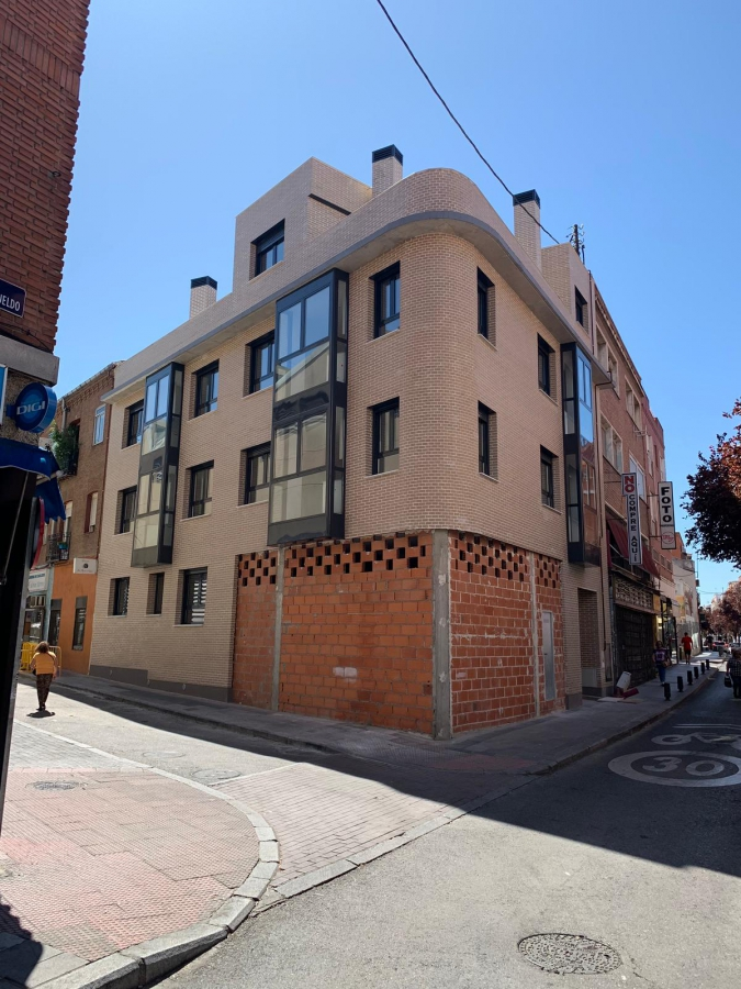 Construcción de 8 viviendas y locales en Vallecas (Madrid)