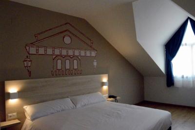 Ejecucion de los trabajos llave en mano de un Hotel en Cortes y Graena (Granada)
